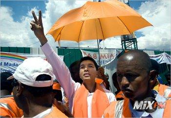 Президент Мадагаскара и DJ Andry Rajoelina один и тот же человек