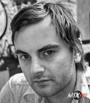 Steve Jones поведал о дип-хаусе, новых артистах и своем новом сингле...
