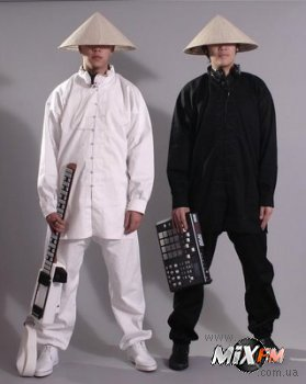Юродивый диско-панк от электро-монахов Nhan & Taan