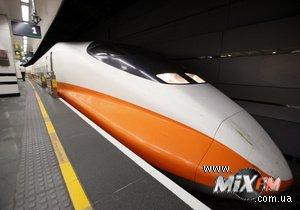 Машинист поезда заснул на скорости 300 километров в час
