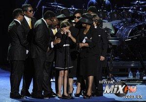 Семья Майкла Джексона заработала $1 млрд после его смерти