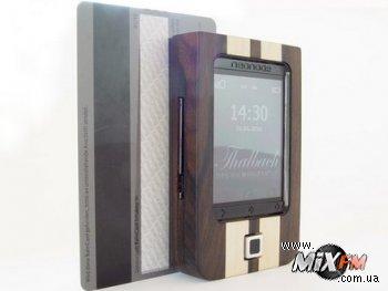 Смартфон с деревянным корпусом уже в продаже