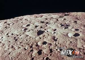 Ученые доказали, что в привезенных с Луны минералах содержится вода