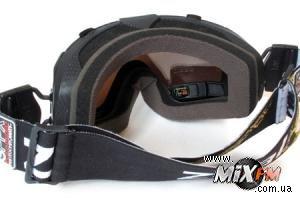 Выпущены очки с GPS и встроенным экраном
