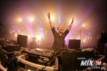Armin van Buuren подвел итоги года в A State Of Trance