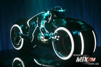 Daft Punk выпустят ремиксы на саундтрек Tron Legacy