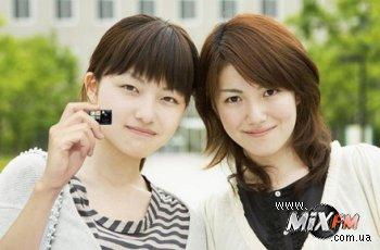 Японцы создали мини-зеркалку